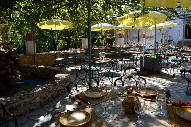 lafantasia-terrasse-restaurant-marocain-77-seine_marne2